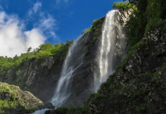 Водопад Поликария Сочи